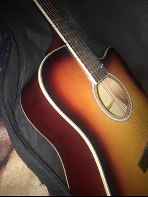 Guitar for Sale in Terra Bella, CA