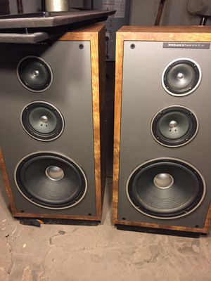 Marantz floor standing speakers for Sale in Chicago, IL
