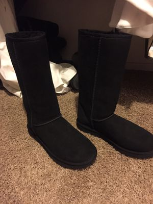 New Authentic Uggs boots size 8 for Sale in Tolleson, AZ