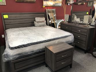 Grey Finish King 4 Piece Bedroom Set CE for Sale in Irving,  TX