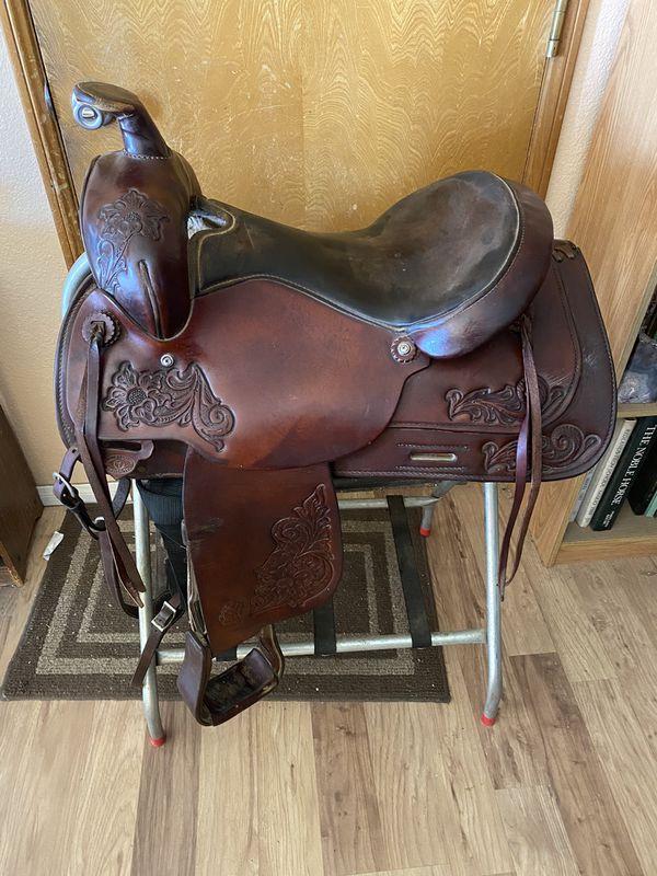 Circle Y Western Saddle