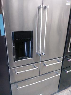 Kitchen Aid five door in stainless steel for Sale in Fullerton, CA