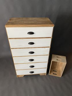 Farmhouse Dresser (6-Drawer) for Sale in Newberg,  OR