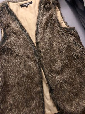 Brown faux fur vest 🔥✨ for Sale in Hazelwood, MO