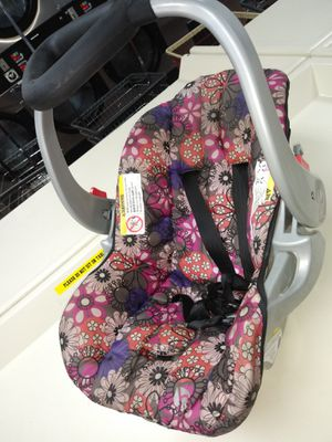 Multicolor pink purple baby car seat for Sale in Jacksonville, FL
