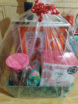 Women's Holiday Gift Basket for Sale in EASTAMPTN Township, NJ