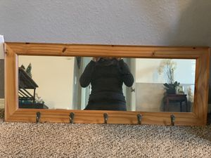 Wall Mirror with 5 coat hooks. Good condition. for Sale in Oregon City, OR