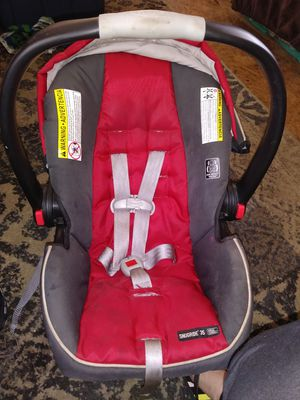 Graco gray and red car seat for Sale in Eugene, OR