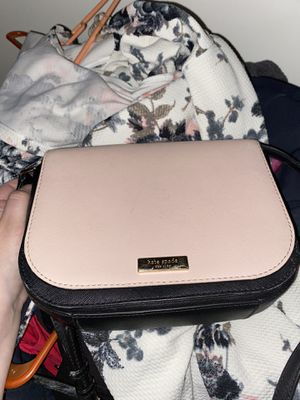 kate spade warm vellum-black crossbody for Sale in St. Peters, MO
