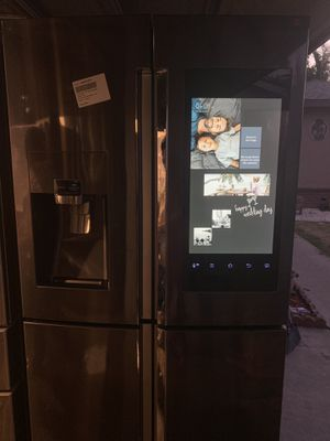Samsung four doors refrigerator in like new conditions for Sale in Fresno, CA