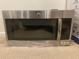 E 1.9 cu. ft. Over the Range Microwave in Slate with Sensor Cooking, Fingerprint Resistant for Sale in Clarksburg, MD