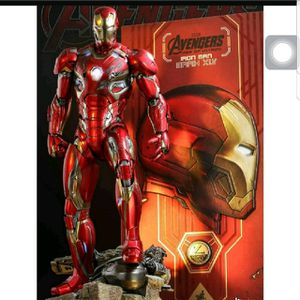 1/4 scale hot toys iron man age of ultron figure(new in box) for Sale in Modesto, CA