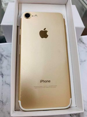 iPhone 7 (128 GB) Unlocked With Warranty for Sale in Cambridge, MA