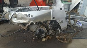 1999 Suzuki GSXR 600 ENGINE FRAME SWINGARM for Sale in Aurora, CO