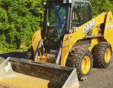 Only 600 hours! Case SR270 Skid steer Loader (2015) One Owner! *****CLEAN*****