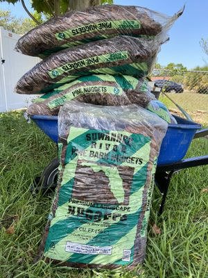Pine Bark Nuggets for Sale in Port Richey, FL