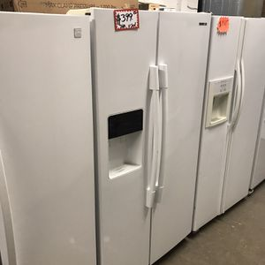 SAMSUNG SIDE BY SIDE FRIDGE IN EXCELLENT CONDITION 4 MONTHS WARRANTY for Sale in Baltimore, MD