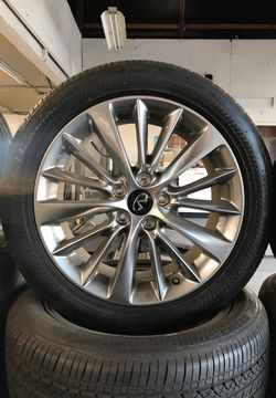 "Infinity stock rims ""18""s for Sale in Vista,  CA"
