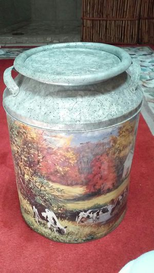 Houston Harvest Vintage tin can. Price on Ebay $29.00-$50.00. for Sale in Tampa, FL