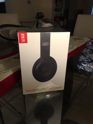Beats studio 3 wireless for Sale in Pembroke Pines, FL