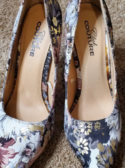 Beautiful Club Couture Floral Pumps, Size 6 for Sale in Brentwood,  TN