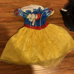 Snow White custome with Tags for Sale in Keizer,  OR