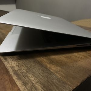 Macbook Air 13 Inches for Sale in Union City, CA