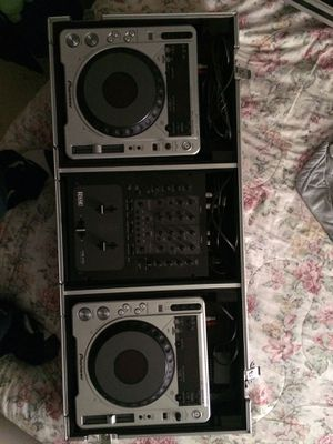 Dj mixer and CD player for Sale in Manassas, VA
