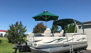 2006 Manitou Legacy Pontoon Boat and Trailer for Sale in Chicago, IL