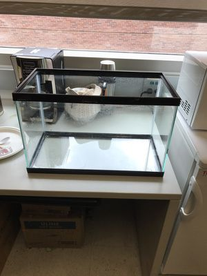 Fish/reptile tank for Sale in Los Angeles, CA
