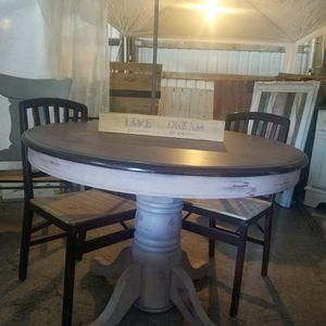 Unique Shabby Chic Table With Custom Chairs. for Sale in Bend, OR