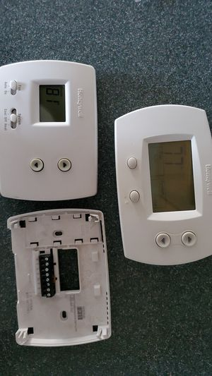 Two Honeywell Thermostat for Sale in Glenarden, MD