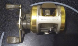 Fishing reel for Sale in Seagoville, TX