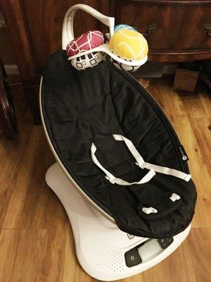 4moms mamaRoo 4.0 Baby Swing for Sale in Colonial Heights, VA