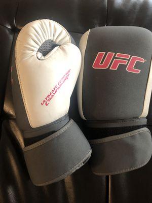 UFC gloves for Sale in Las Vegas, NV