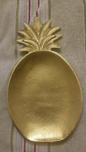 He Designs NWT Gold Pineapple Tray Home Decor for Sale in Bellevue, WA