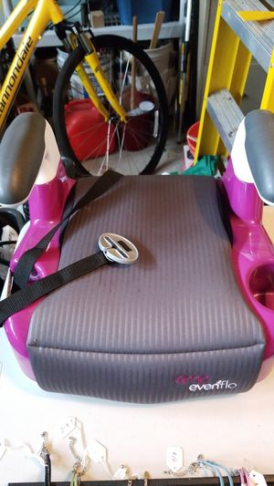Car booster seat for Sale in Palatine, IL