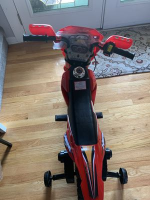 red motorcycle 6v battery charger for Sale in Canton, MI