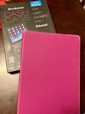 BROOKSTONE iPad case w/Bluetooth keyboard for Sale in Waynesboro, VA