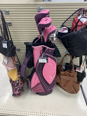 Wilson Women's 11 Piece Flex Hope Golf Club Set for Sale in Tampa, FL