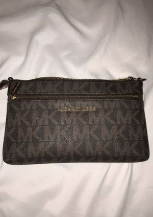 Micheal Kors Wallet for Sale in Fairview Park, OH