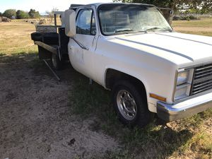 Chevy 3/4 ton flatbed 1984 for Sale in Del Sur, CA