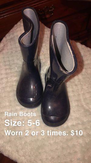 Rain boots for Sale in Delano, CA
