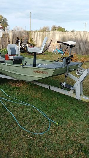 12ft boat for Sale in Bartow, FL