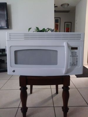 Excellent Condition GE Microwave for Sale in West Palm Beach, FL