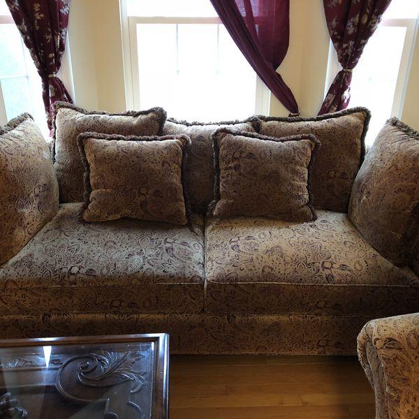 3 Piece Sofa Set. Excellent Condition