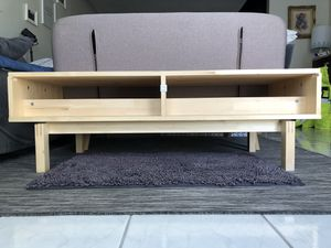 Tv /video game solid wood table for Sale in Miami, FL