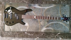 Fender Bass guitar for Sale in Dayton, OR