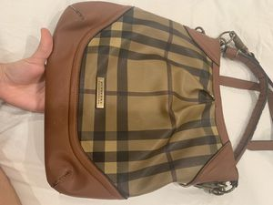 Burberry Authentic Bag for Sale in Spring Valley, CA