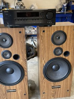 Onkyo Receiver and Pioneer Tower Speakers for Sale in Troutdale,  OR